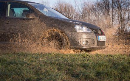 Bridgestone DriveGuard Reifentest_ Matsch und Schotter _Header