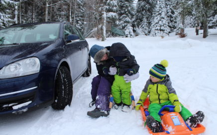 Bridgestone DriveGuard Reifentest_ Winterreifen in ihrem Element Familie